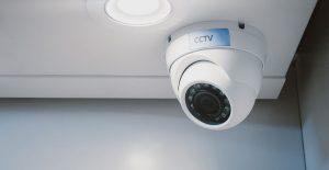 Hemlarm med kameraövervakning